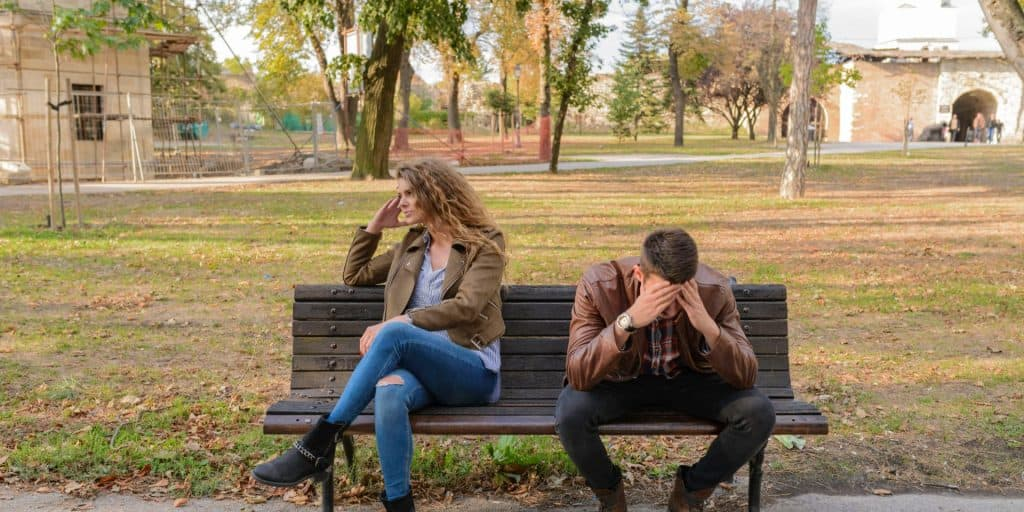 couple estimating divorce cost
